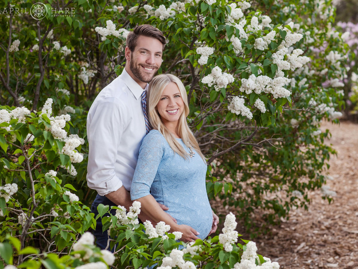 City-Park-Denver-Colorado-Maternity-Portraits-During-Spring-Blossoms-12