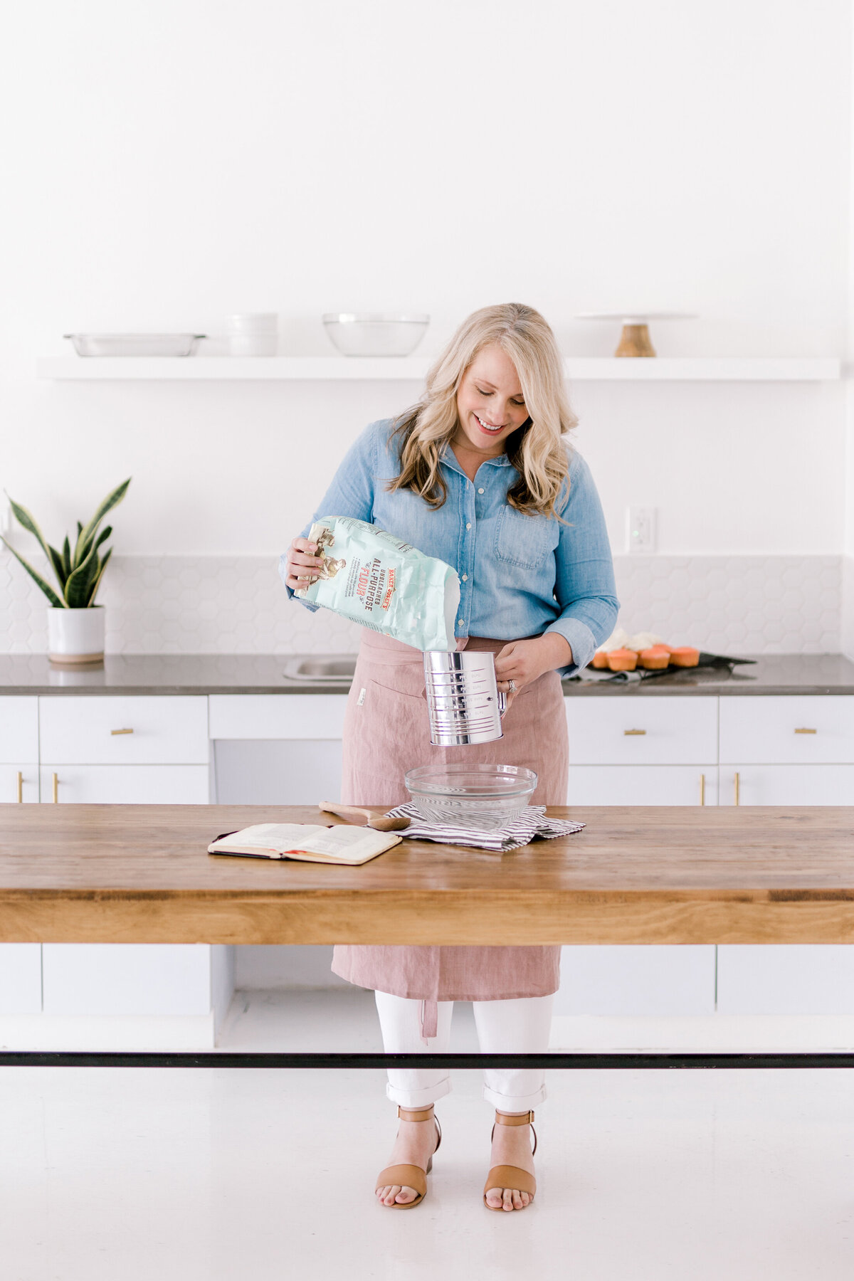 Dallas Brand Photography for Creatives | Laylee Emadi | Catie Ann Baking | Brand Mini Session 3