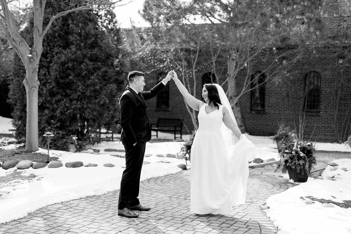 Rachel-Matt-Inn-at-St-Johns-Wedding-Michigan-Breanne-Rochelle-Photography71