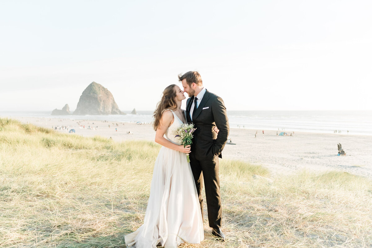 Cannon-Beach-Elopement-Photographer-36