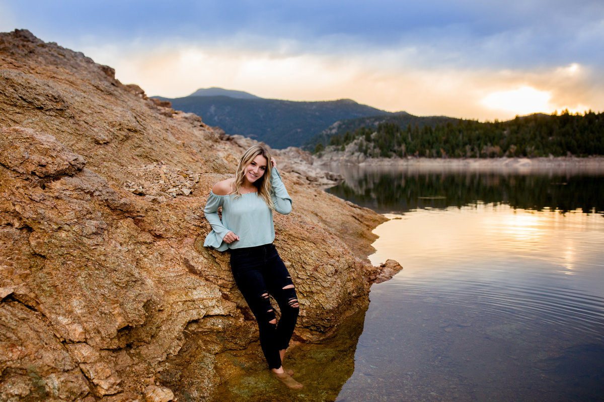 boulder-lake-senior-photos