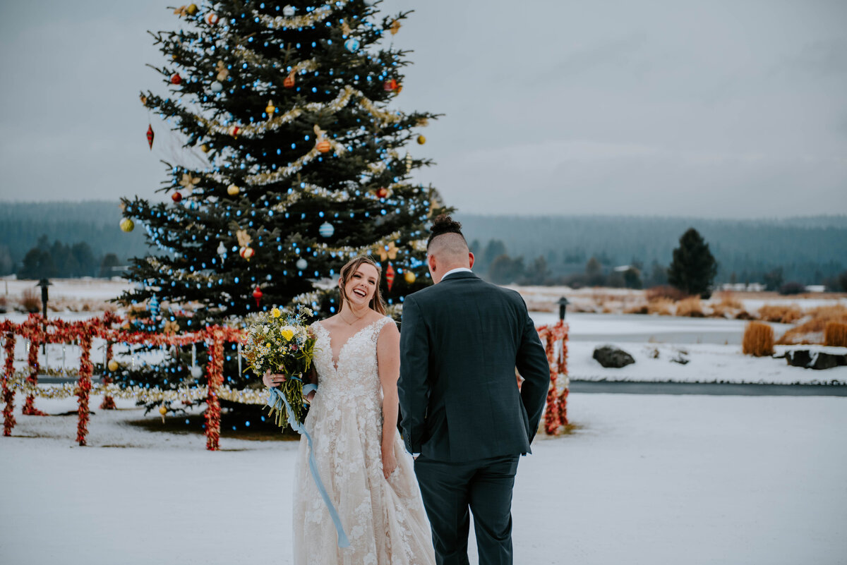 sunriver-resort-oregon-wedding-venue-christmas-elopement-photographer-destination-1714