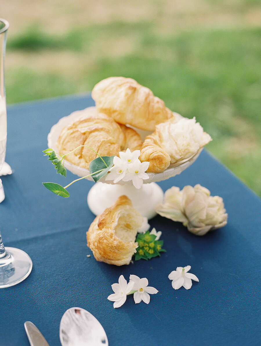 Graceful_Countryside_Fine_Art_Bridal_Maryland_Wedding_Megan_Harris_Photography-74