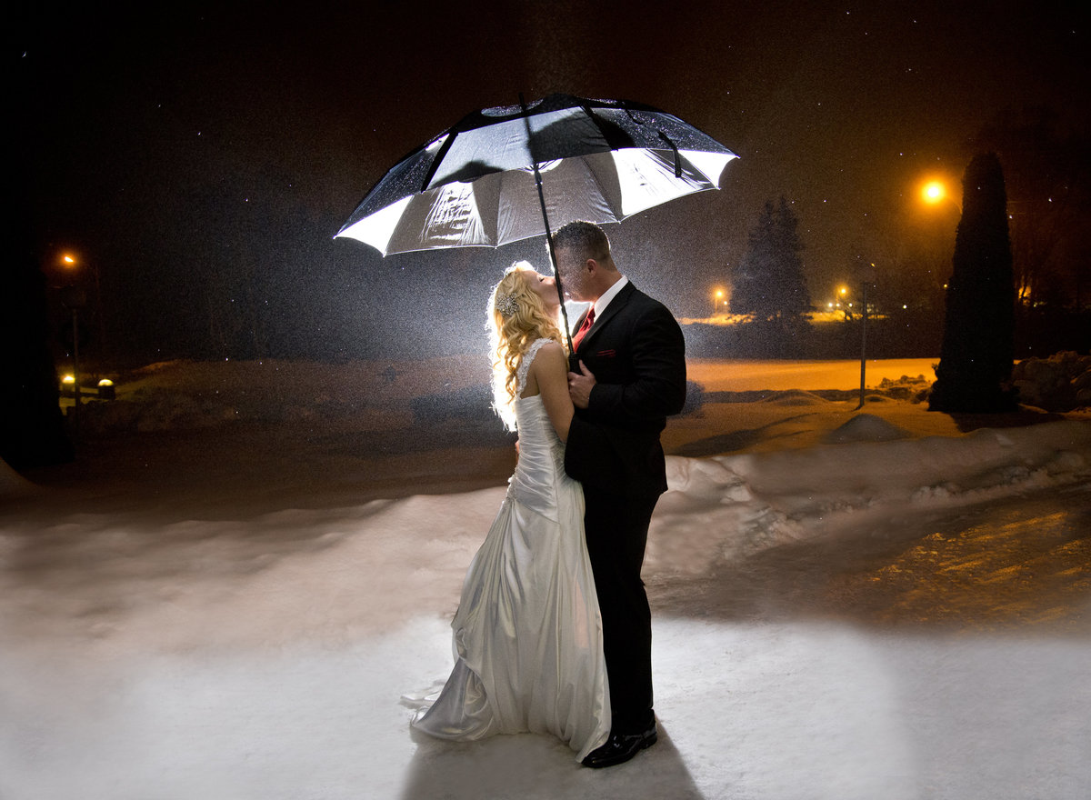 winter wedding-night photo-ben eoin- ski hill
