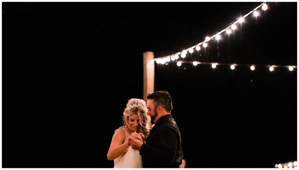 Houston Wedding Planner for Vintage Blush Floral Hoop Inspired Wedding at Emery's Buffalo Creek- J. Richter Events_0028