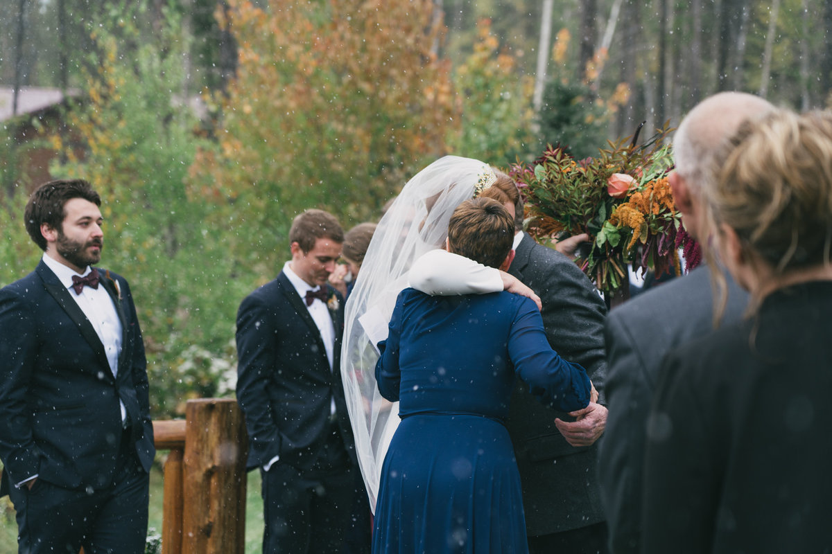 Jennifer_Mooney_Photography_Abbey_Stephen_Fall_Winter_Glacier_Park_Elopement-142