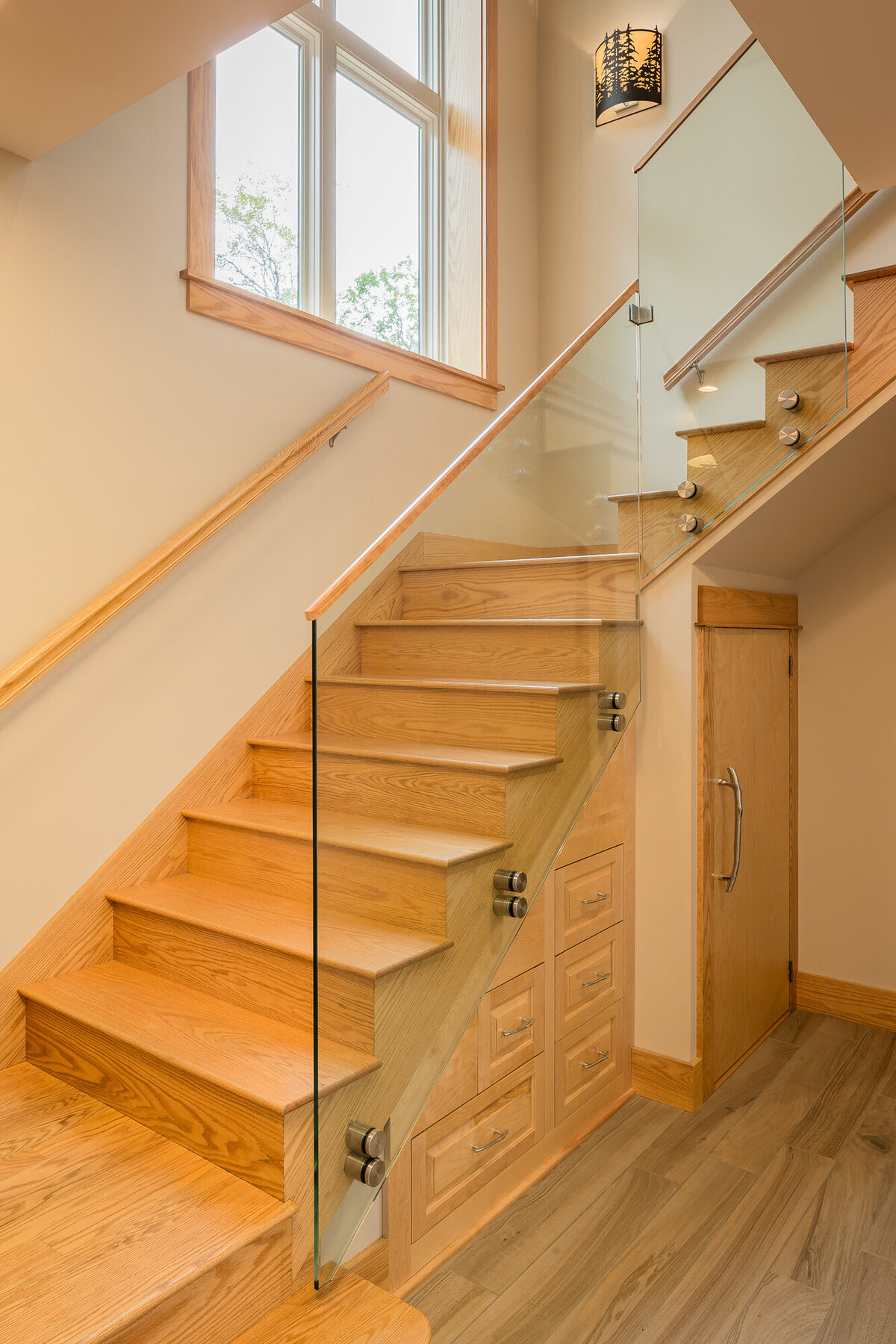 LaRochelle_Contemporary_Cabin_01_Stair_web