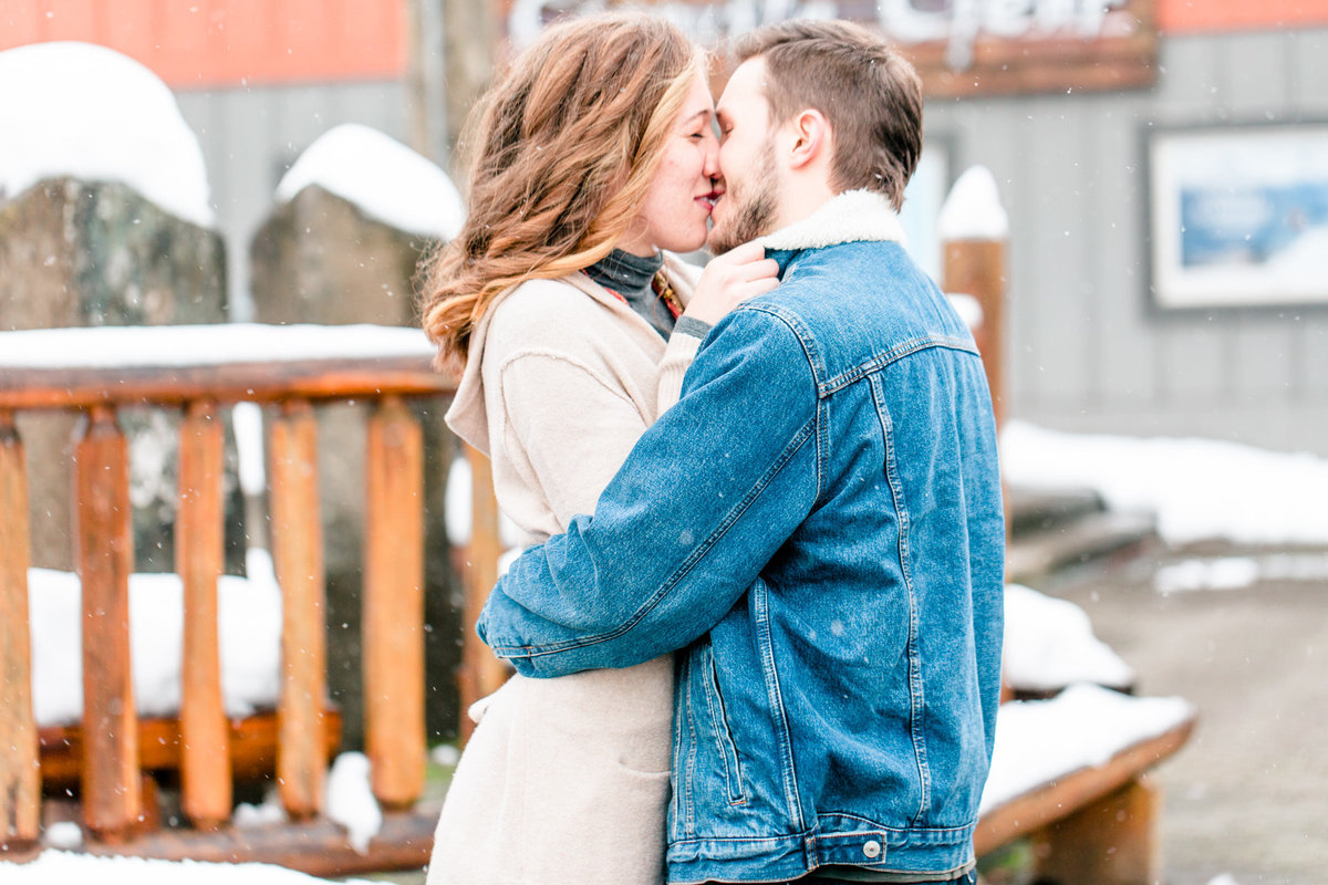 Snoqualmie Engagement Session-Alexa and James Tia LaRue Photography_0008