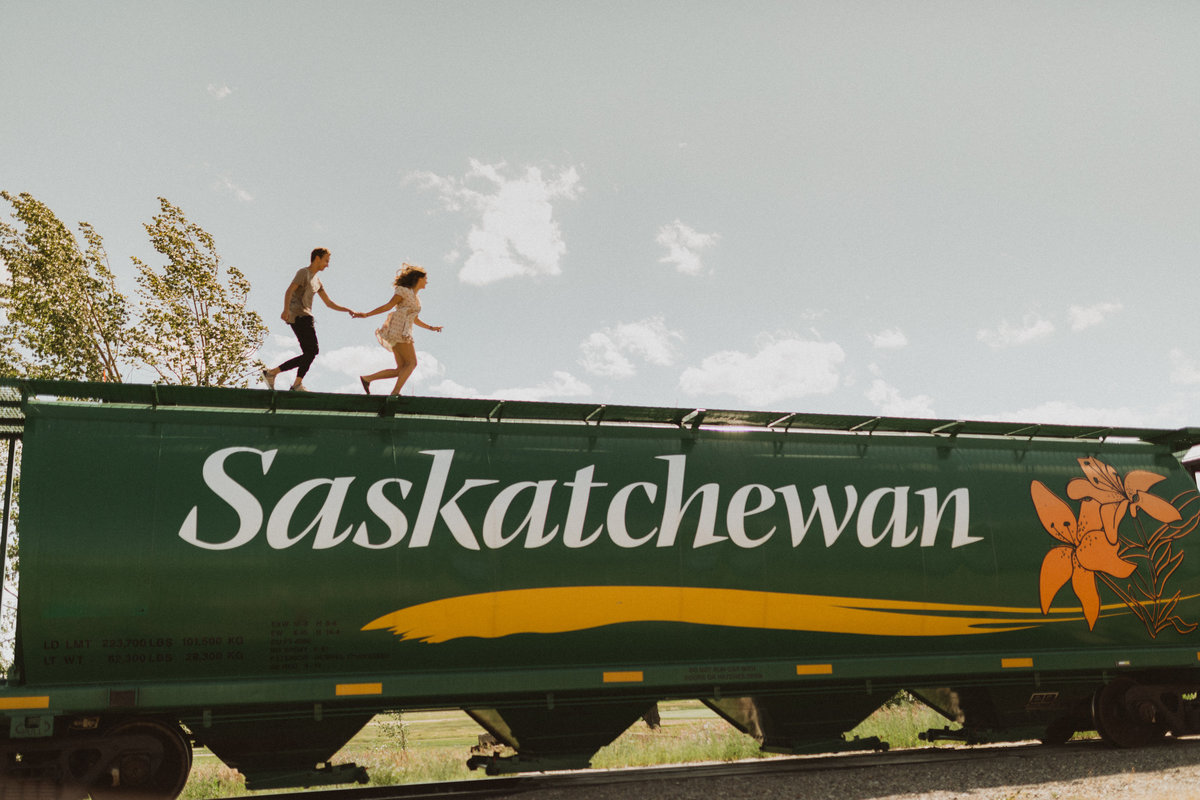 saskatchewan couple on train