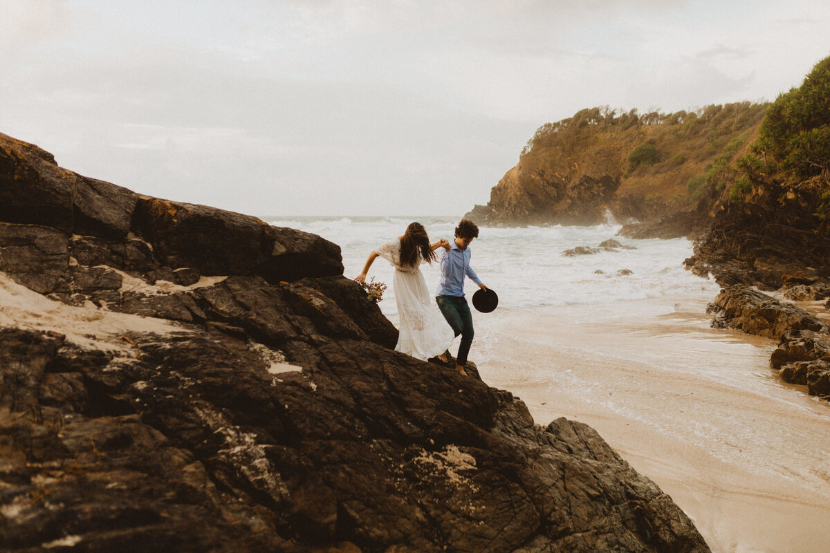 liv_hettinga_photography_boho_australia_beach_elopement-12