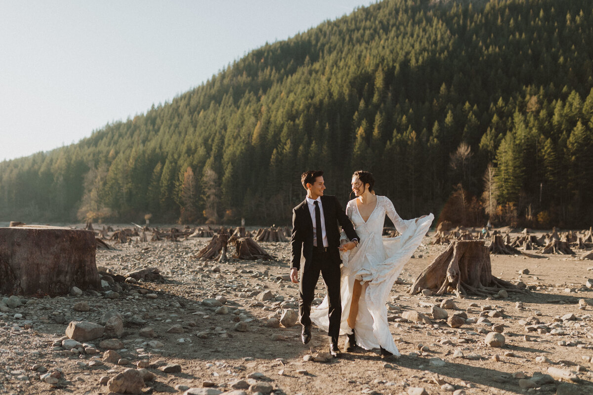 liv_hettinga_photography_seattle_lake_adventure_elopement-3
