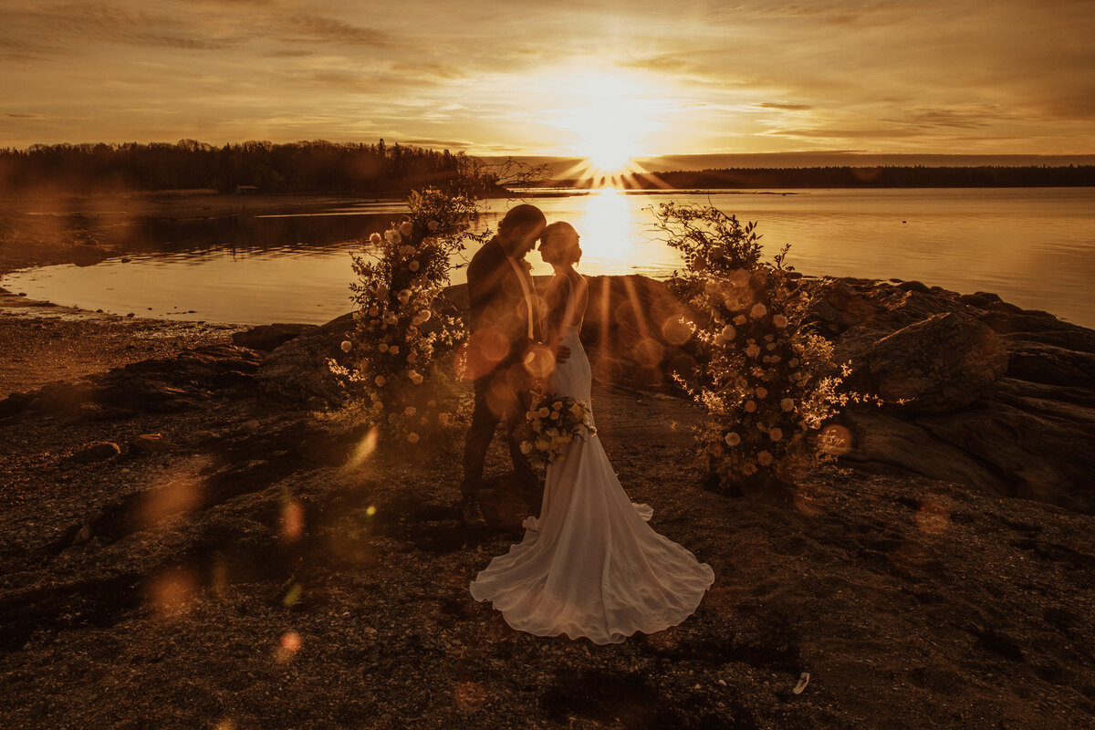 sunrise-elopement-in-maine-3