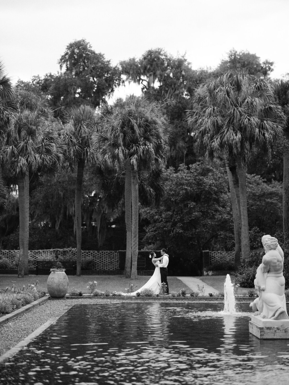 Brookgreen Gardens Wedding Pictures by Top Pawleys Island Wedding Photographer-28