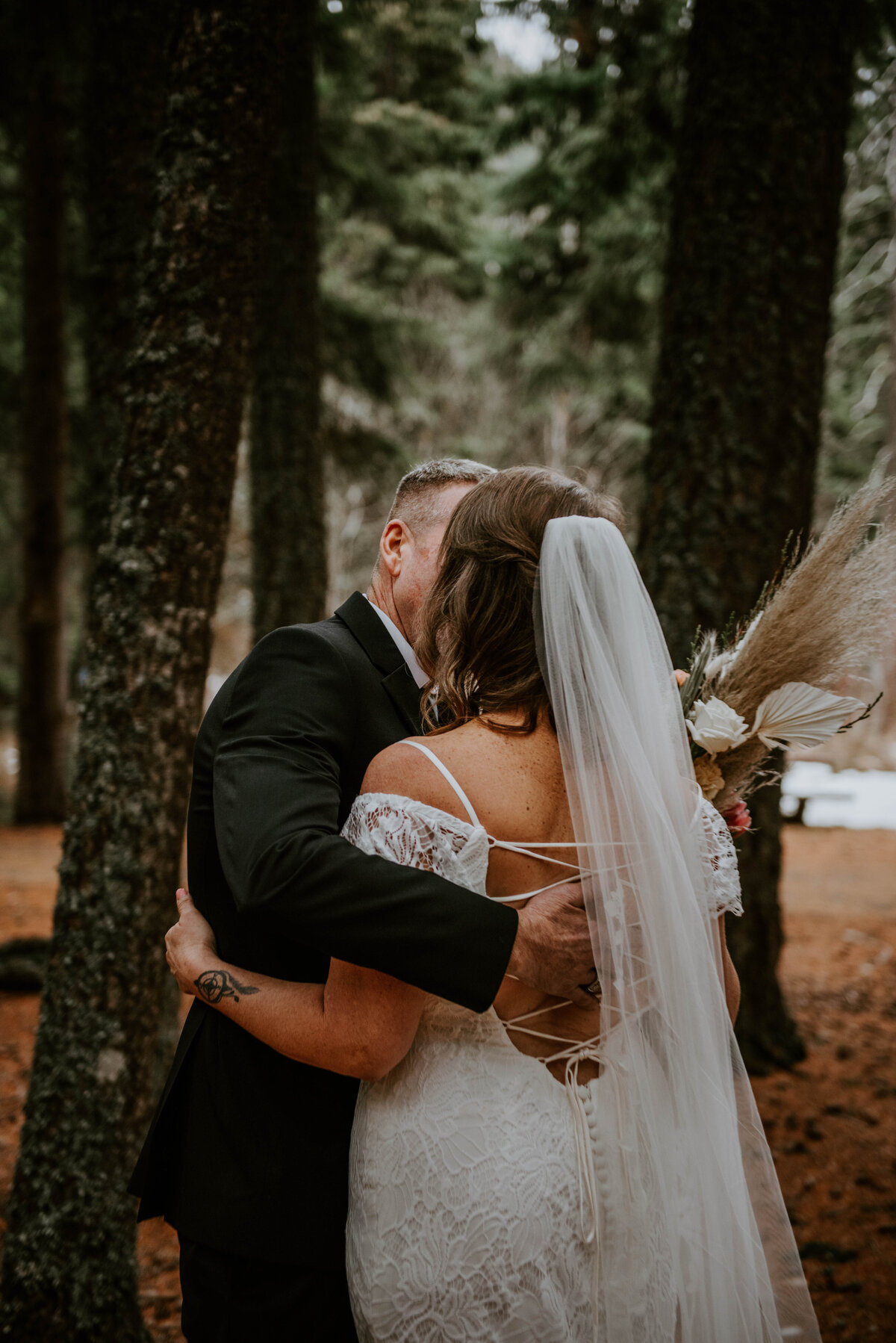 suttle-lake-sisters-oregon-lodge-woods-vow-renewal-photographer-wedding-elopement-2504
