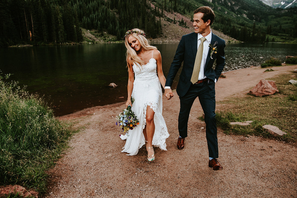 bohemian wedding couple at maroon bells