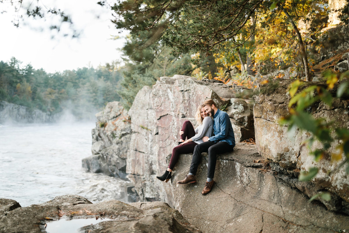 Taylors-Falls-Minneapolis-Fall-Engagement-11