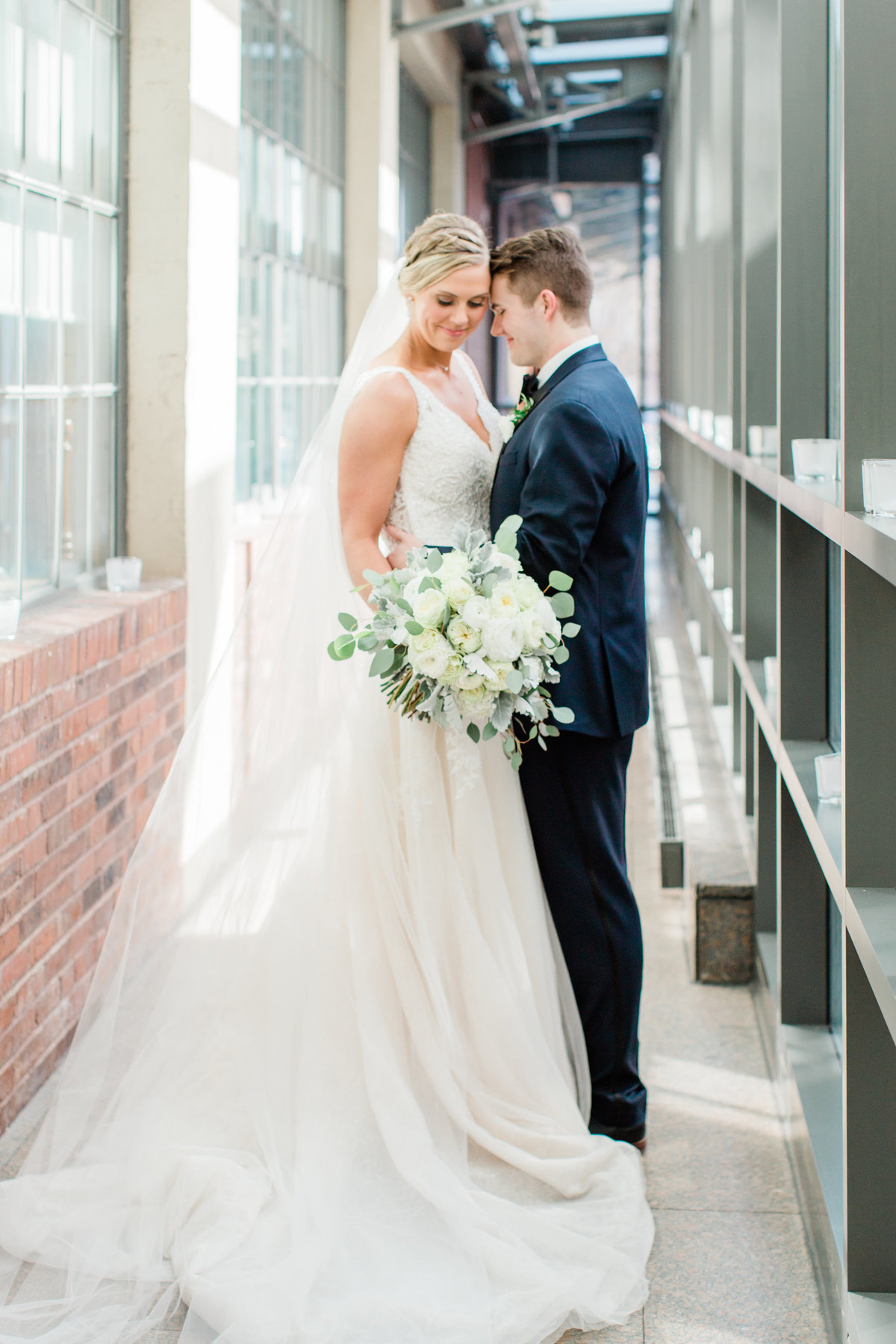 Lindsey-Taylor-Photography-St-Louis-Downtown-Wedding-17