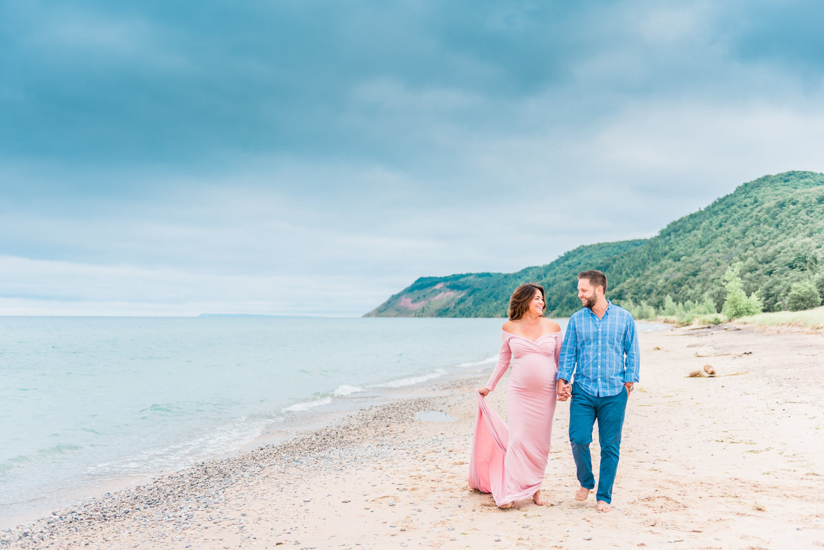 maternity photographer in traverse city michigan