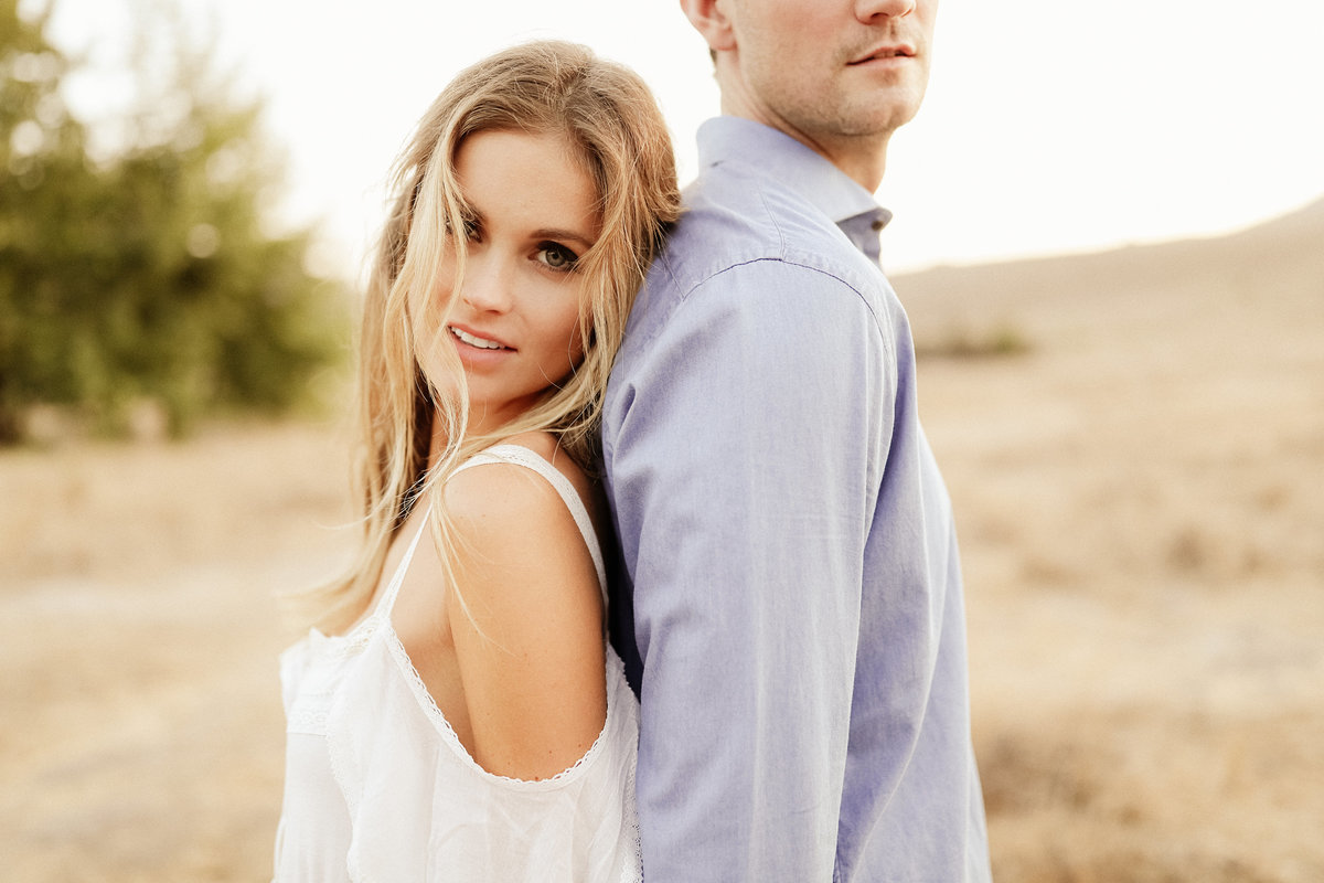 Rustic_Engagement_Session_028