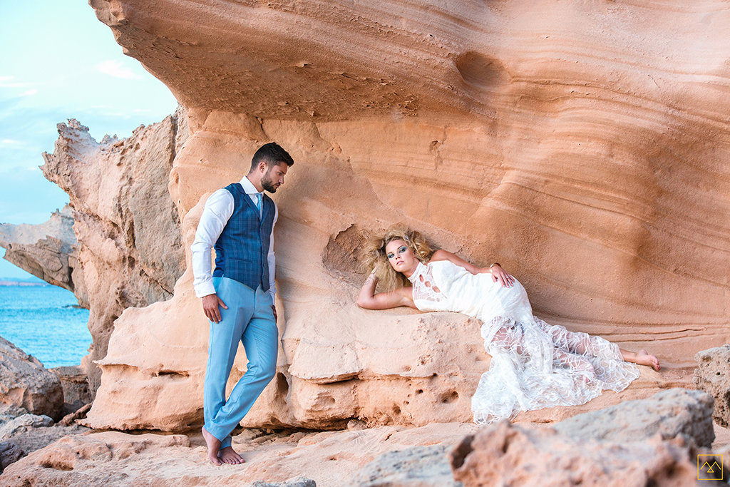 Amedezal-wedding-photographe-mariage-lyon-inspiration-Formentera-robe-Gervy-surmon31-alliances-Antipodes-MonTrucenBulle-PauletteDerive-mode-inspiration
