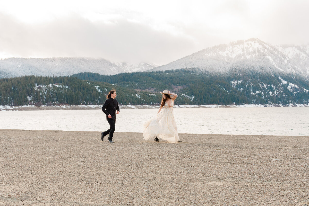 Cle-Elum-Washington-Lake-Elopement-Photographer-Photography-62