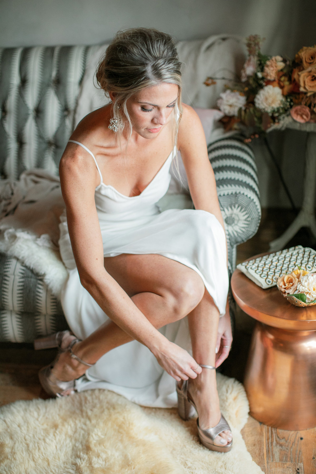 Magdalena Studios Bohemian Stylish and Chic Fall Wedding at Terrain Anthropologie_12