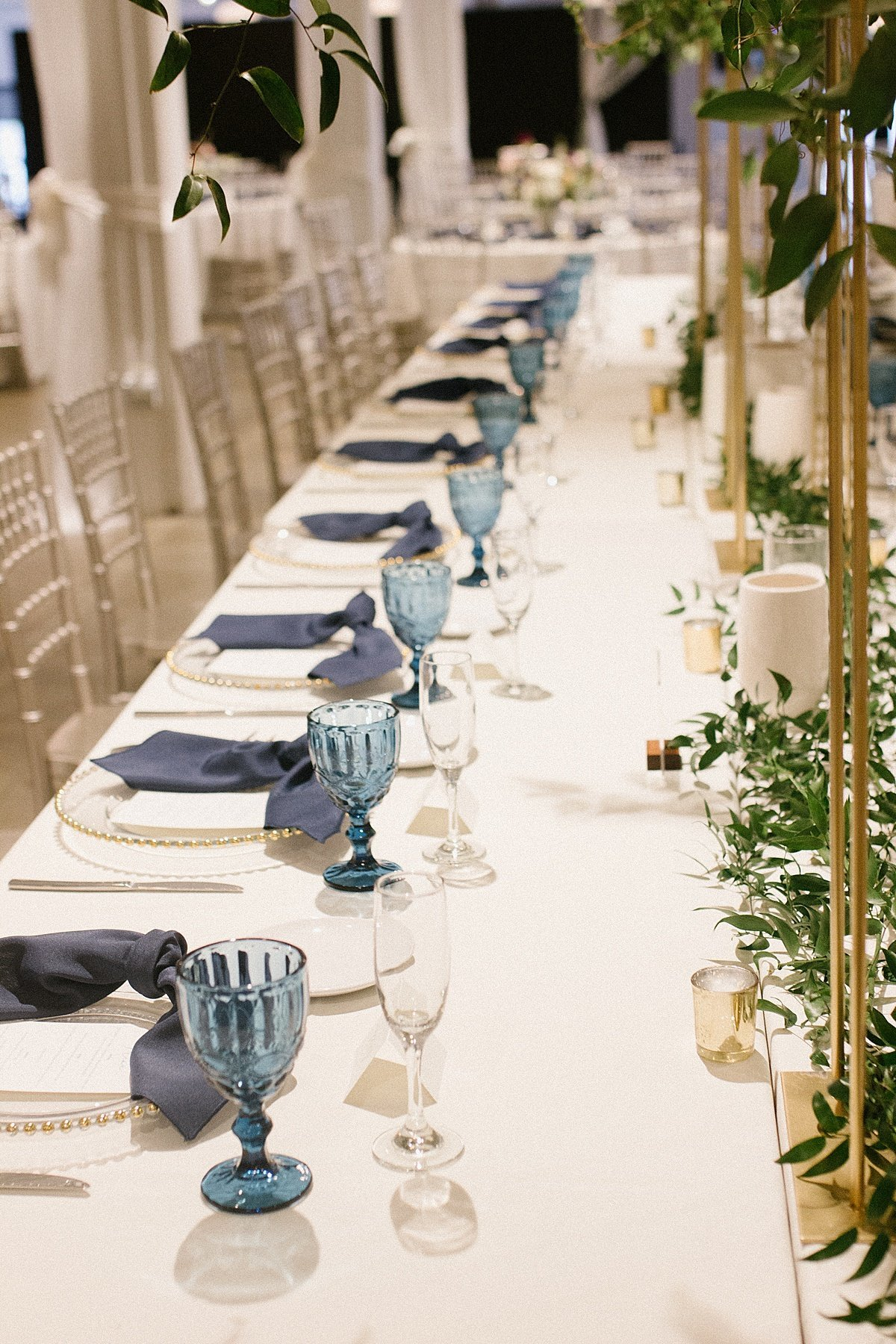 Industrial-Downtown-Burgundy-blush-blue-floral-wedding-with-elevated-greenery-at-Founder-One-Nine-by-Omaha-Nebraska-Wedding-Florist-Lindsay-Elizabeth-Events27
