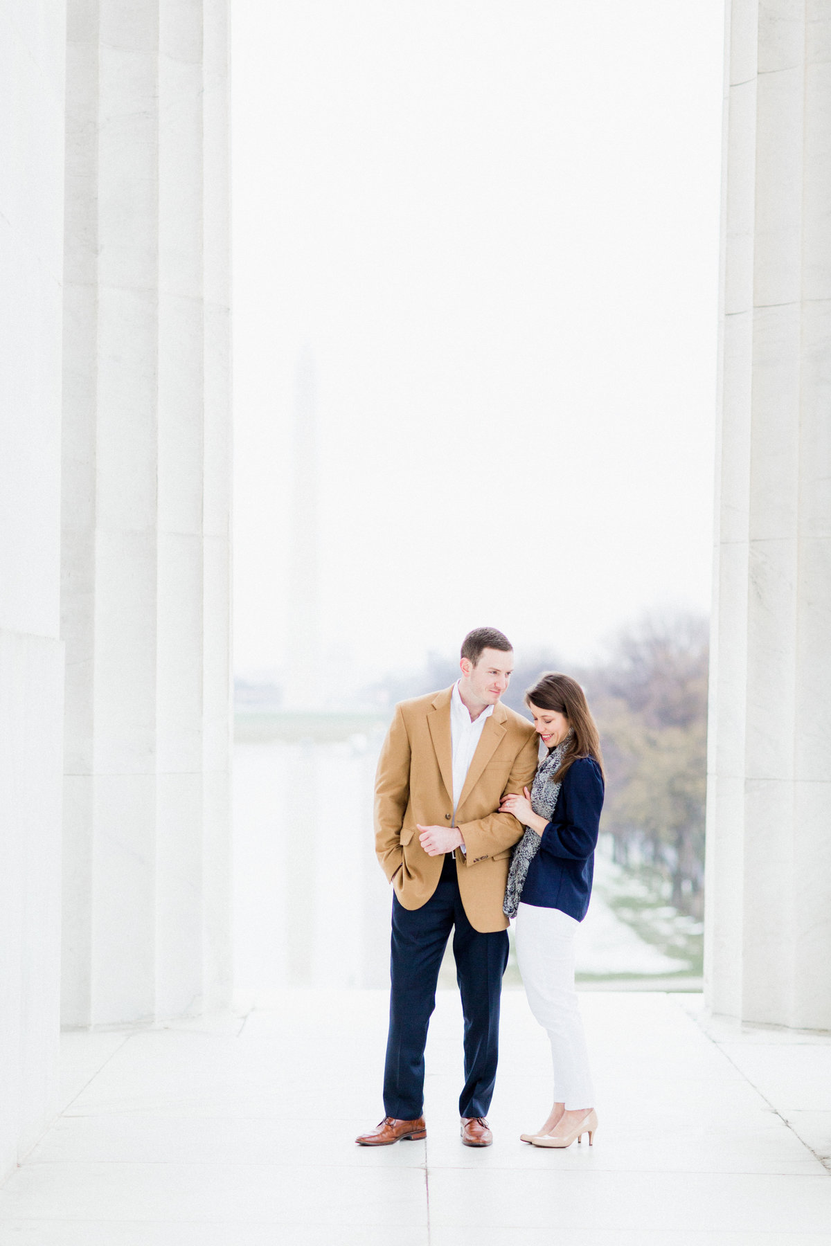 32_classy_monuments_engagement_session