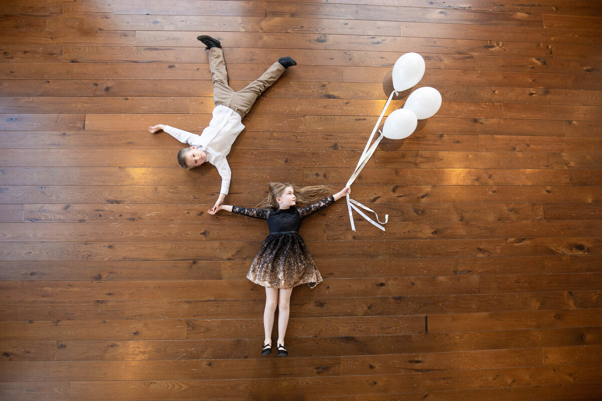creative children photo with balloons