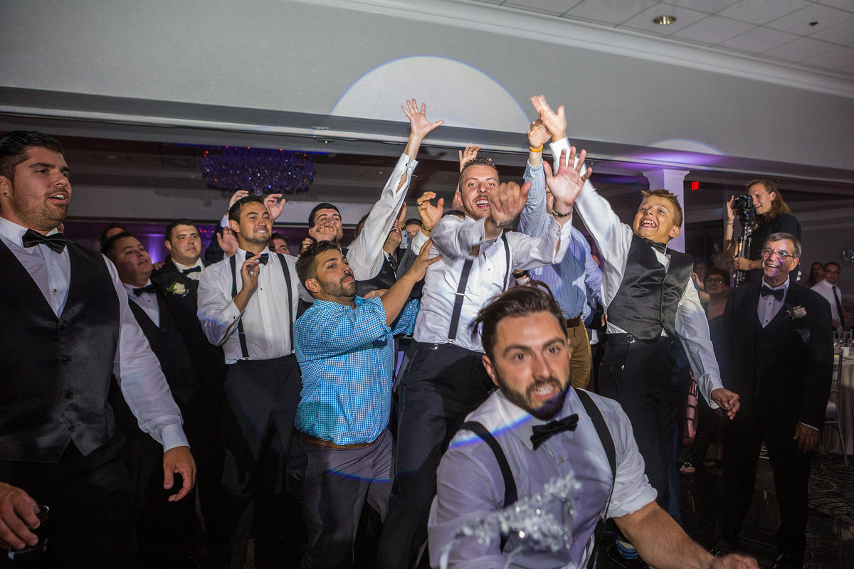 crazy reaction during garter toss