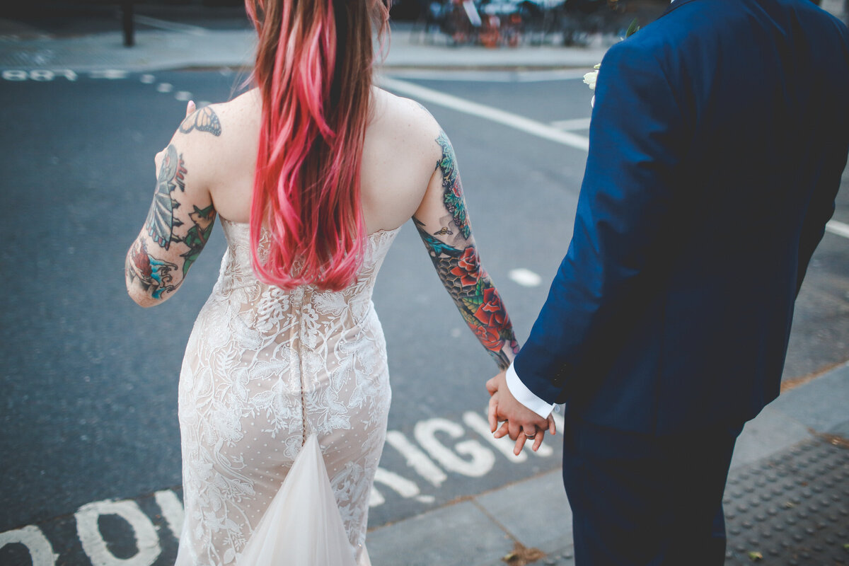THE-YACHT-LONDON-WEDDING-BOAT-WINDY-TATOO-BRIDE-0077