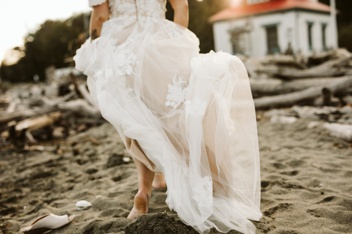 bride walking on vashon island for an elopement