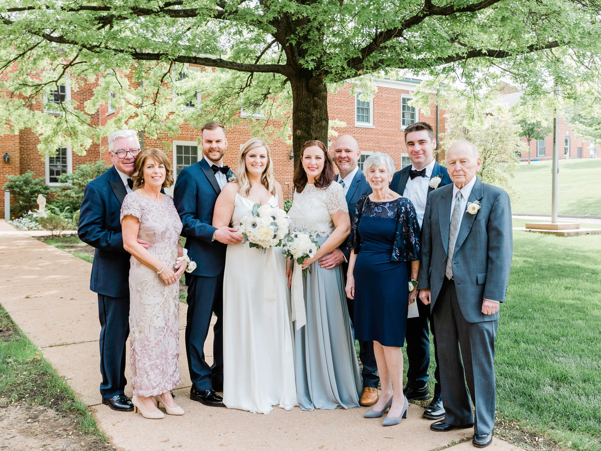 Dorothy_Louise_Photography_Gennie_Sean_STL_Planetarium_Wedding_Family_Formals-15