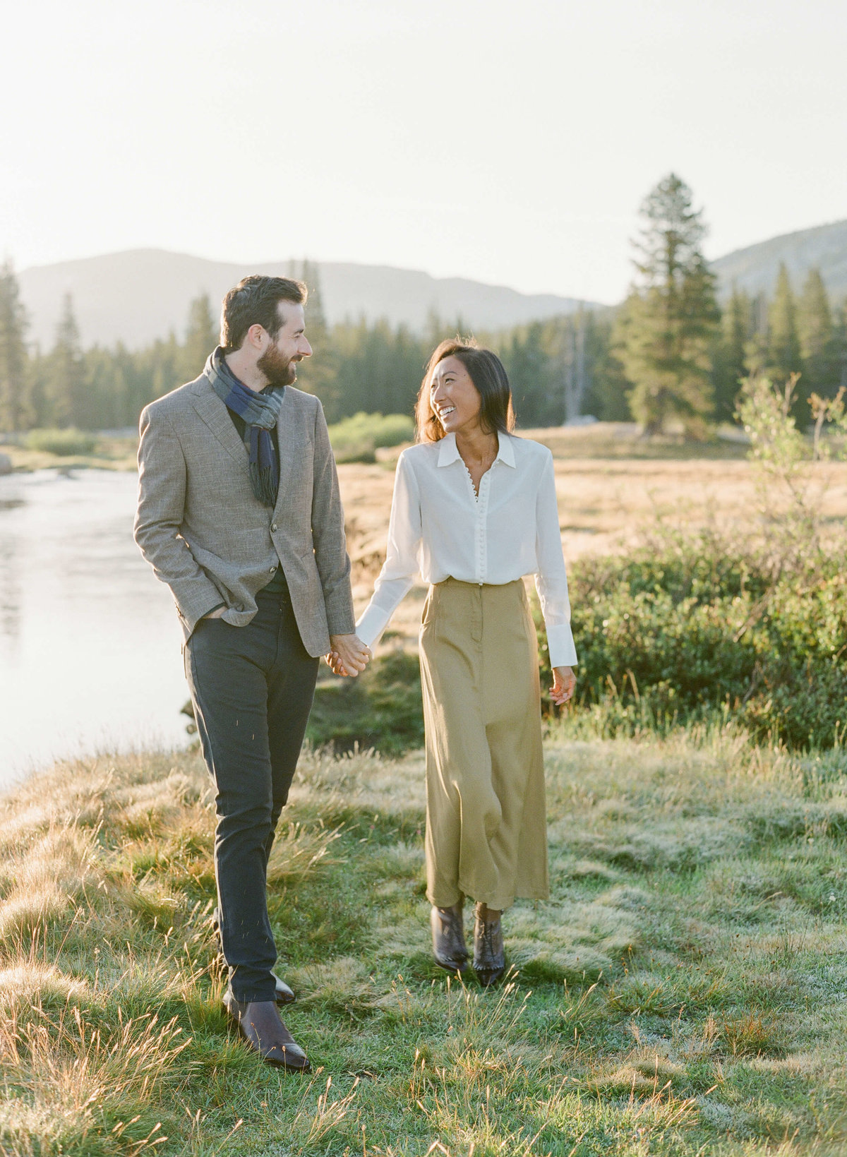 22-KTMerry-engagement-shoot-couple-Yosemite-park