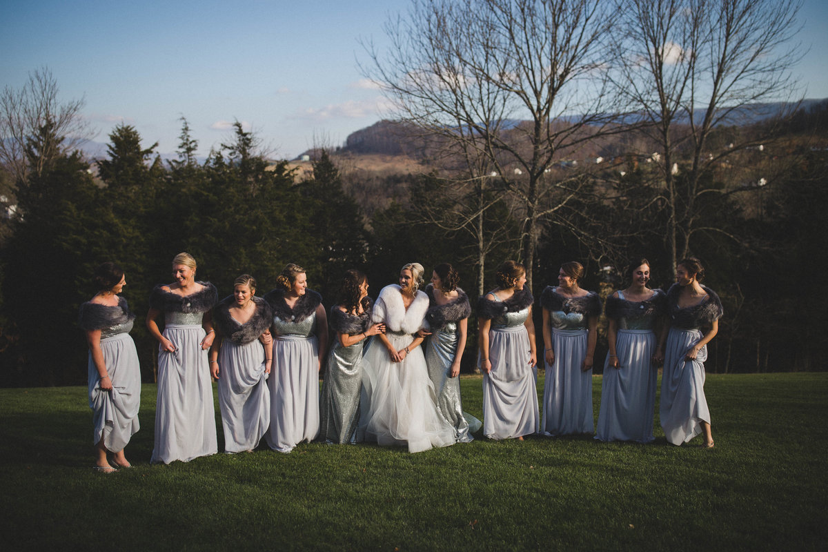 bridal-party-winter-wedding