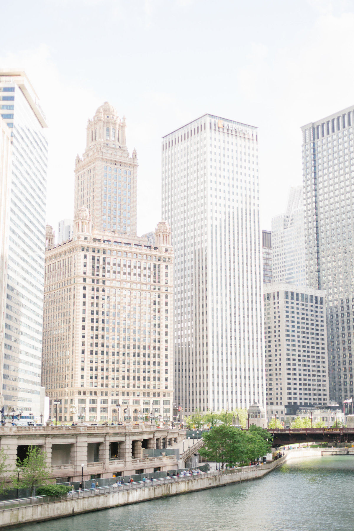 chicago-engagement-photography-wrigley-building-19