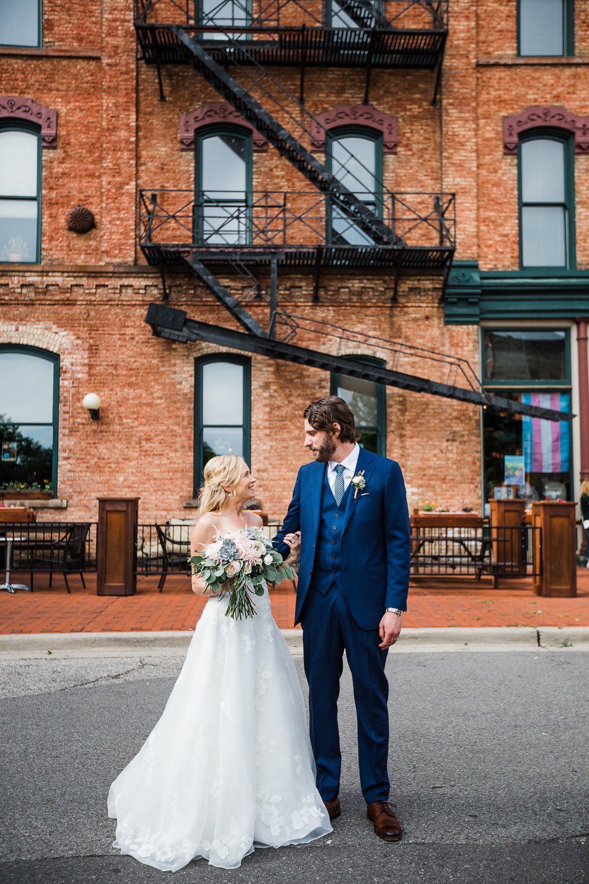 grand rapids wedding photographers http---www.chrystinmelaniephotography.com (1 of 1)