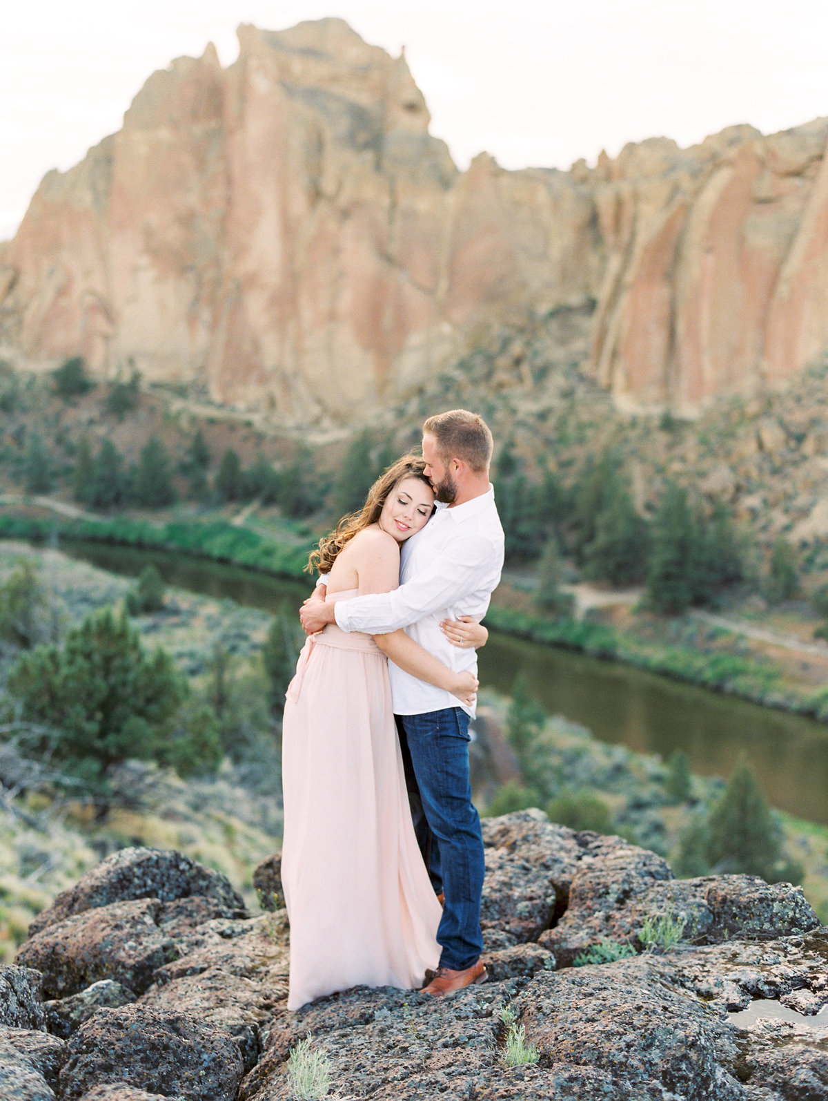 36-smith-rock-oregon-engagement-photos