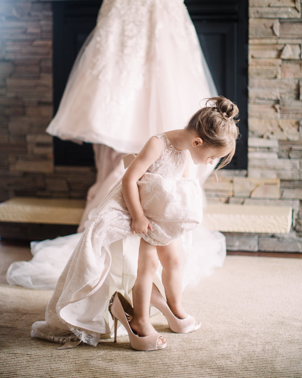 thelodge-turningstone-lodge-turning-stone-flowergirl-flower-girl-turningstonewedding