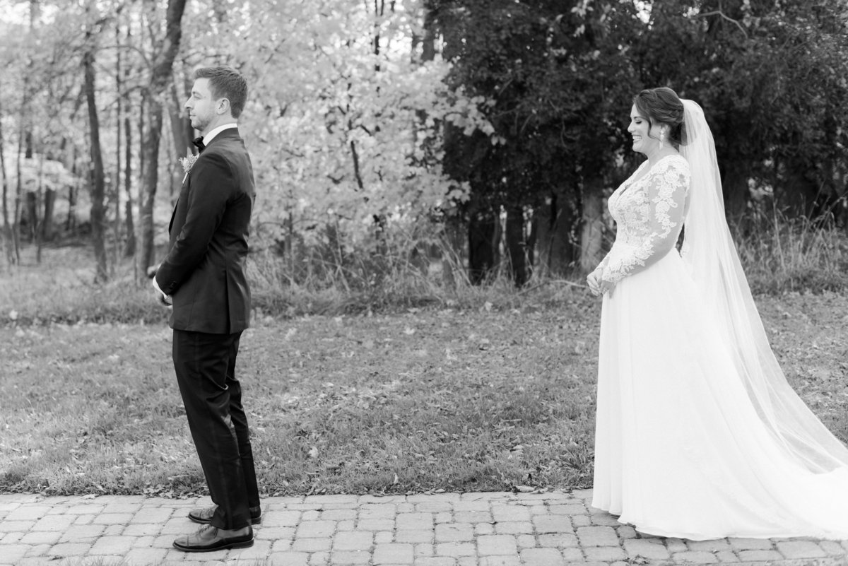 hudson-valley-new-york-wedding-photographer-nicole-detone-photography-brotherhood-winery-caitlin-philip_31