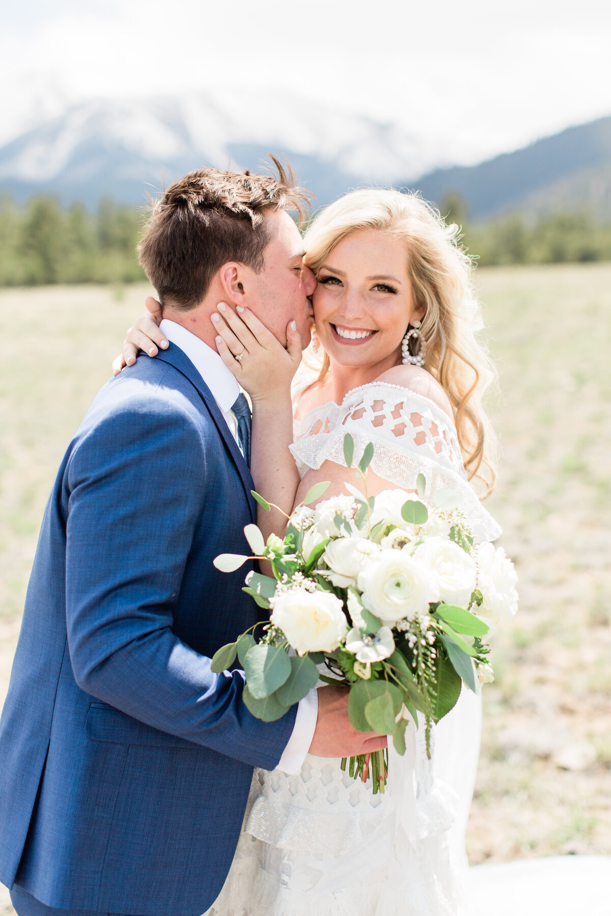 lindsey-taylor-photography-surf-hotel-buena-vista-colorado-destination-wedding-photographer38