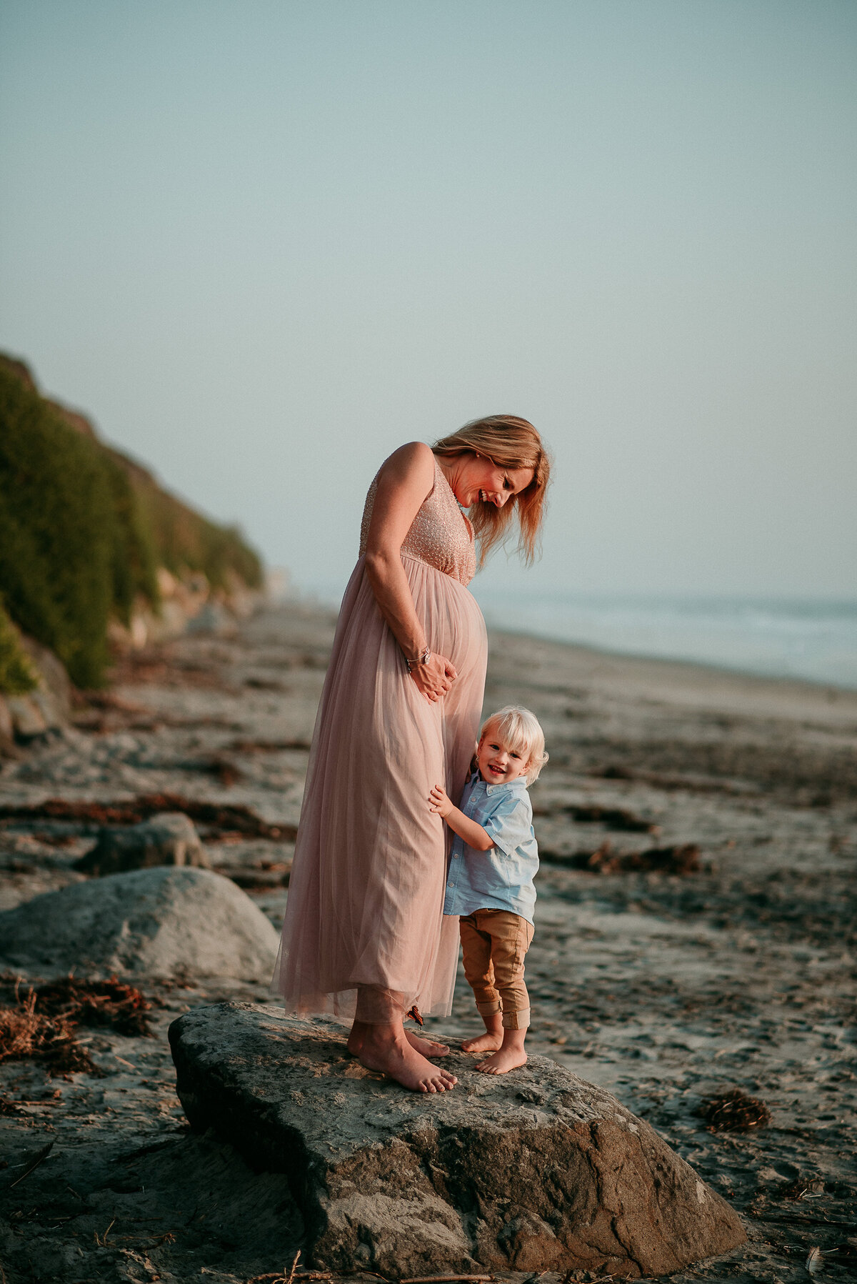 Carlsbad Maternity Photographer-belly snuggles24