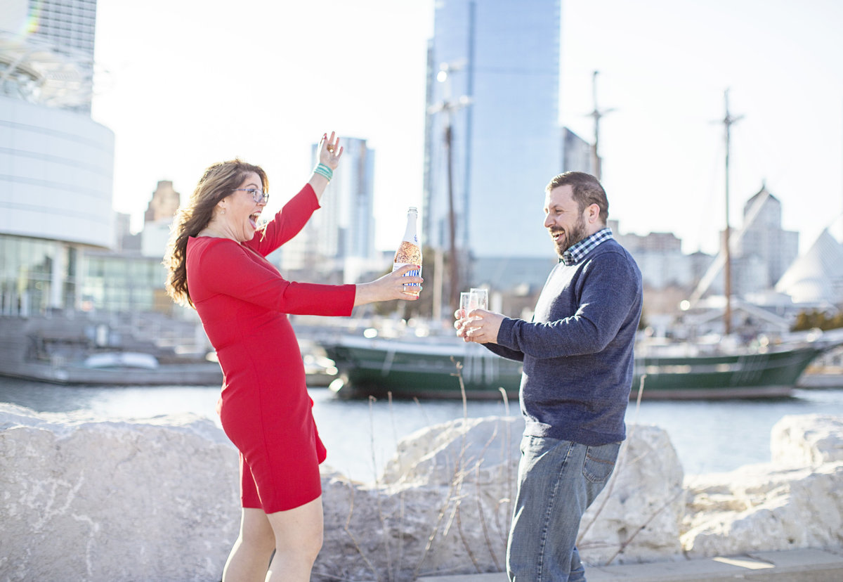 champagne engagement photos in downtown milwaukee