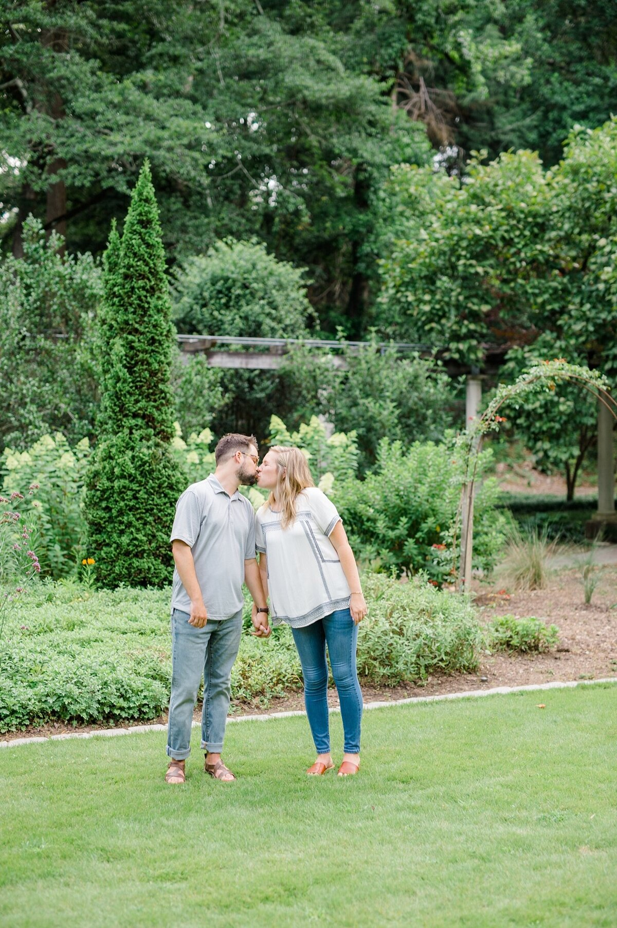 cator-woolford-gardens-engagement-wedding-photographer-laura-barnes-photo-shackelford-42