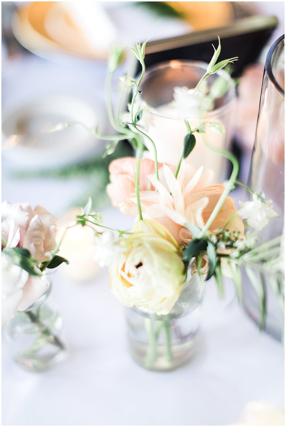 Spring-Floral-Willows-On-Westfield-Lodge-Wedding-Ivan-Louise-Images-Jessica-Dum-Wedding-Coordination_photo_0025