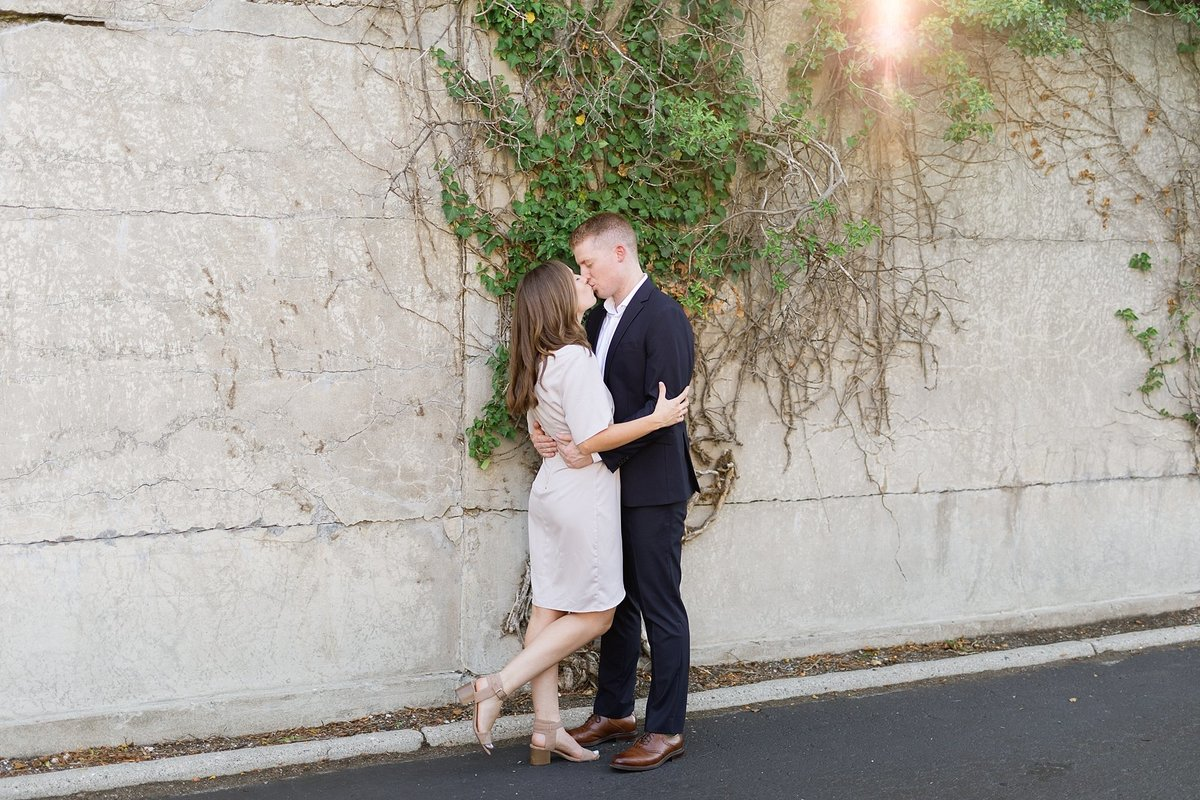 Amanda-Dylan-War-Memorial-Grosse-Pointe-Engagement-Breanne-Rochelle-Photography8