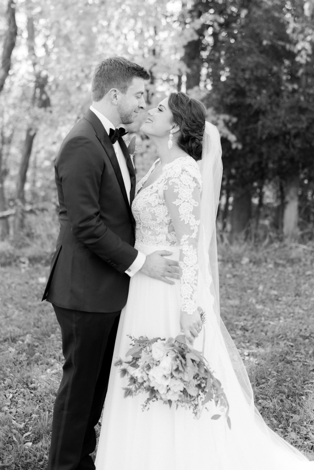 hudson-valley-new-york-wedding-photographer-nicole-detone-photography-brotherhood-winery-caitlin-philip_41