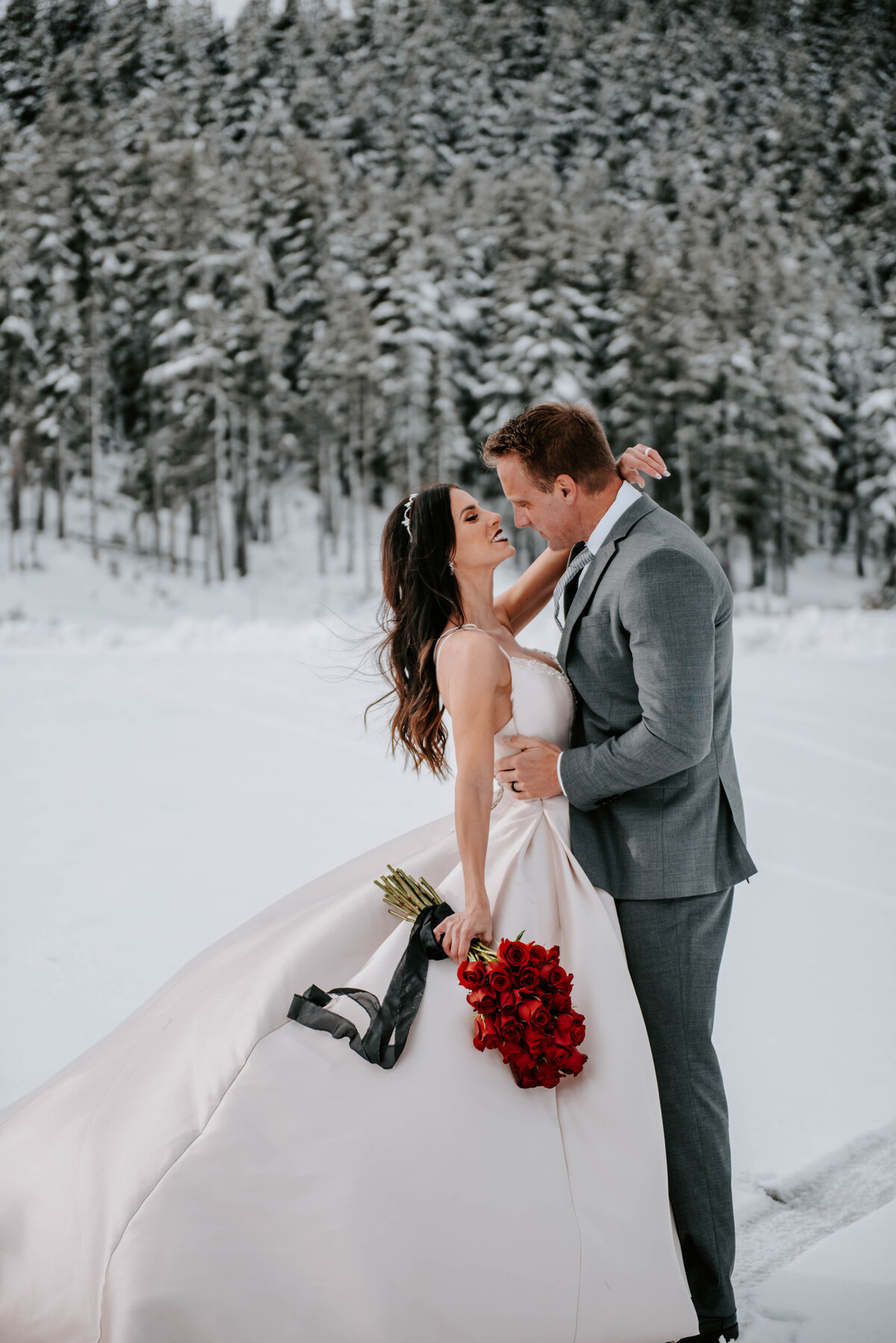 mt-bachelor-snow-winter-elopement-bend-oregon-wedding-photographer-2094