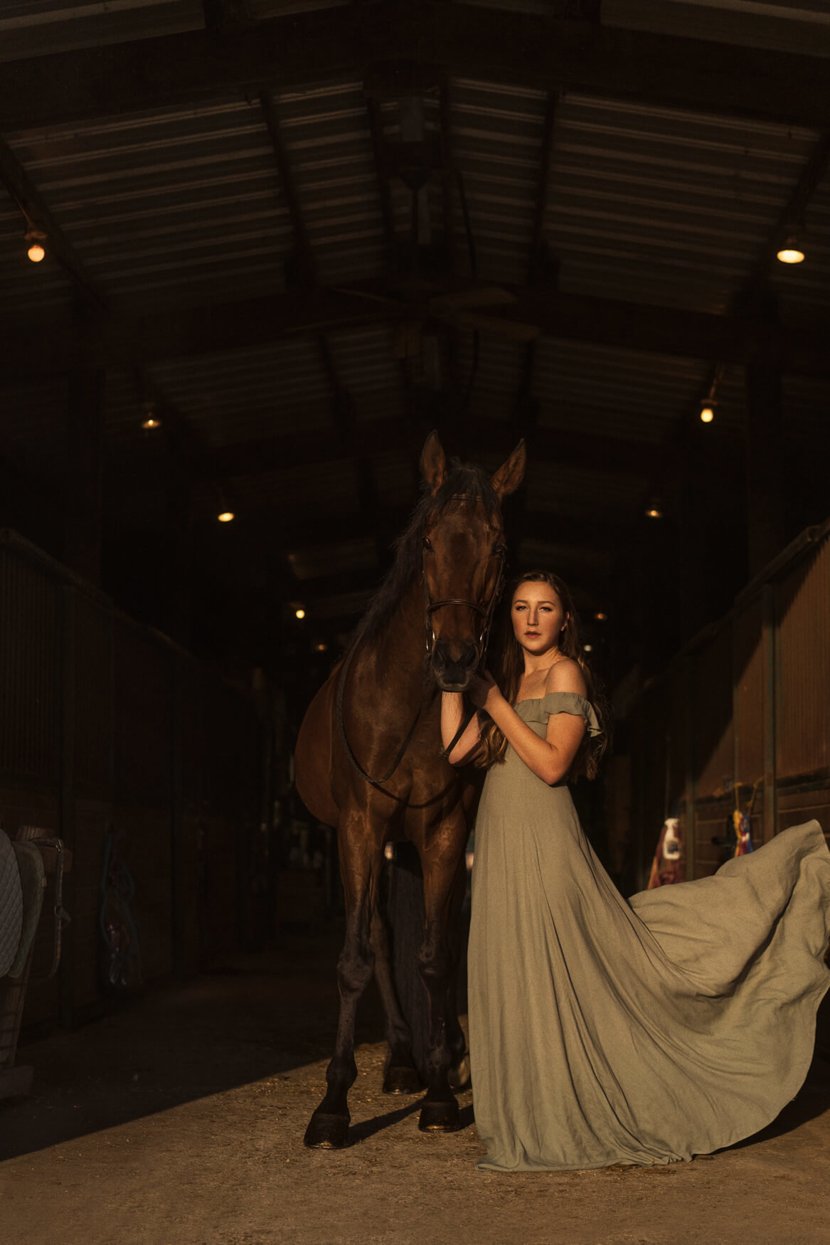 Highschool Senior portraits with a horse