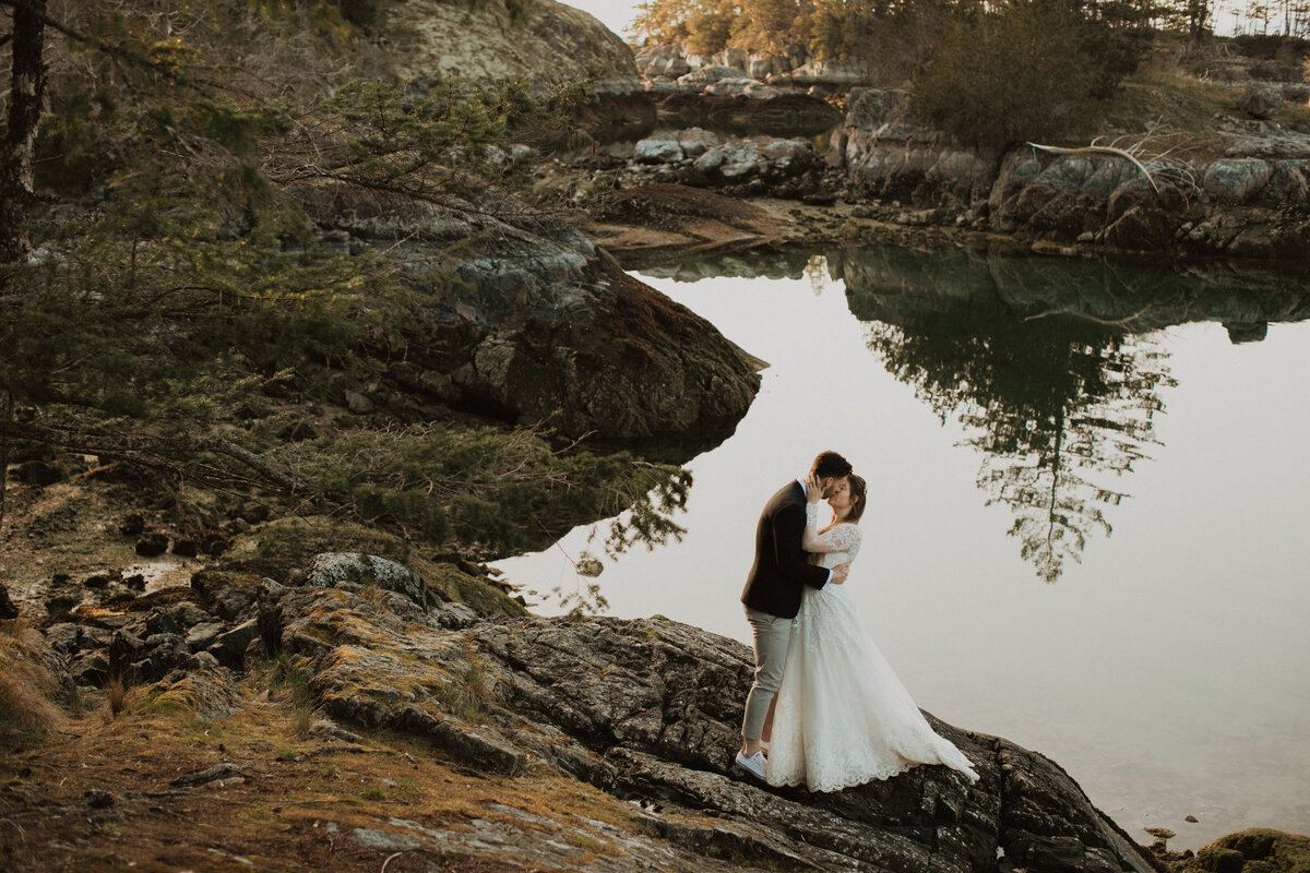 bride and groom kissing elopement sunshine coast bc sechelt nature